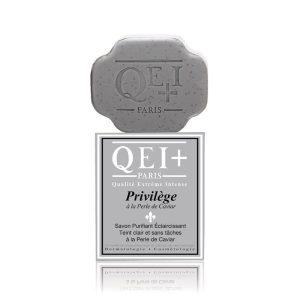 Privilège Purifying Exfoliating Soap